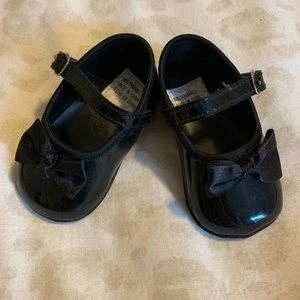 Other - Black patent leather baby girl Mary Jane's